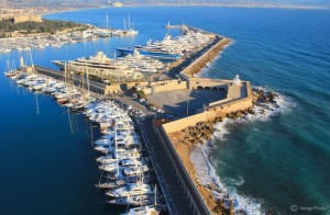 Port-Vauban-a-beautiful-Antibes-yacht-charter-destination-Photo-credit-to-Vertige-Photo-665x434
