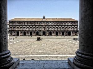 palazzo-reale-di-napoli-aeafeddf-6602-4ef3-a523-08529f01db39